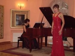 04.10.2009 Arie operowe iromanse wwykonaniu Dariny Gapicz-mezzosopran iAlicji Tarczykowskiej - fortepian