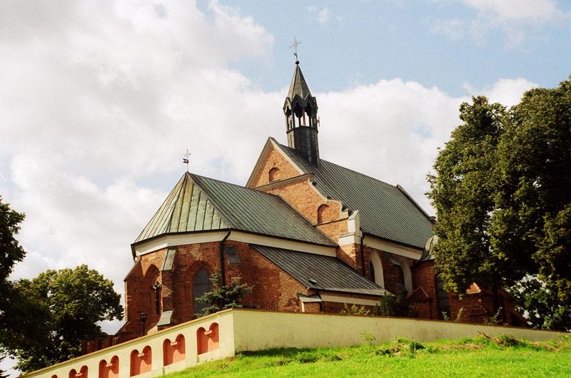Izbica Kuj. - Kościół p.w. Wniebowzięcia NMP - fot. A.Hermann