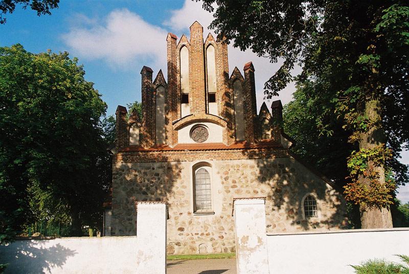 Radomin - Wschodni szczyt kościoła p.w. św. Mikołaja - fot.A.Hermann