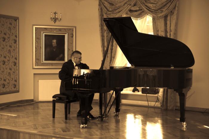 Andrzej Janaszek – recital Fortepianowy