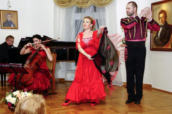 """Wieka Gala Karnawałowa """"Usta milczą, dusza śpiewa"""""""